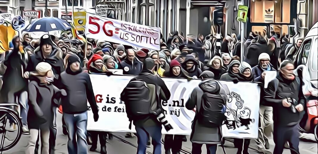 5g-protesters-dutch